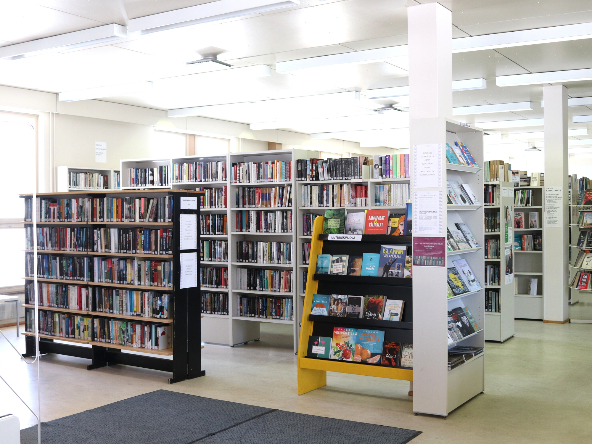 kirjasto yleiskuva